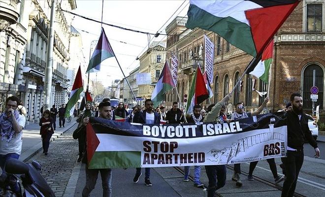 Avusturya'da işgalci israil ve ABD karşıtı gösteri