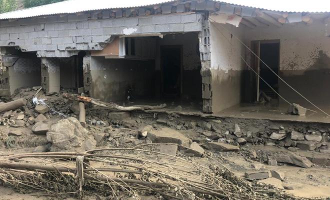 Van'da sel: 6 ev yıkıldı, 30 evde hasar oluştu