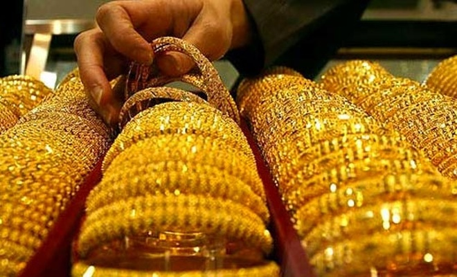 Kapalı çarşıda anlık altın fiyatları