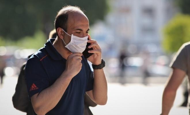 Maske takmak koronavirüs riskini ne kadar azaltıyor ?