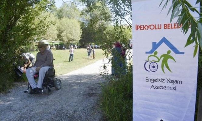 Van`da engelliler için piknik düzenlendi