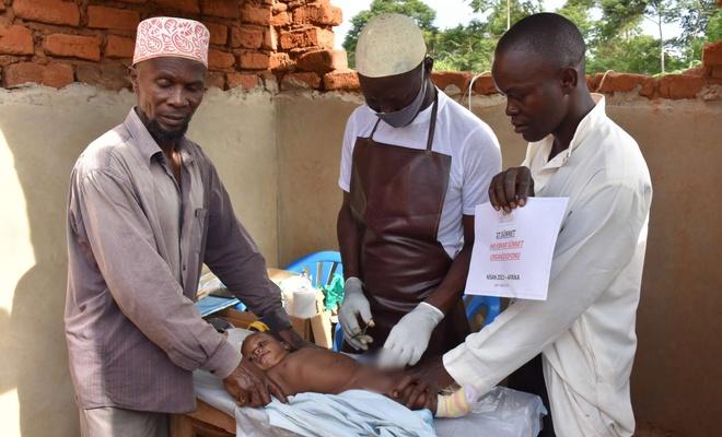 İHO-EBRAR Uganda da yüzlerce çocuğu sünnet ettirdi