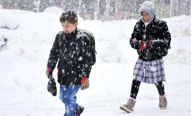 Çanakkale ve Zonguldak'ta yüz yüze eğitime kar engeli