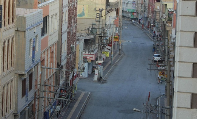 Vatandaşlar Nusaybin'i terk etti, ilçe hayalet şehre döndü