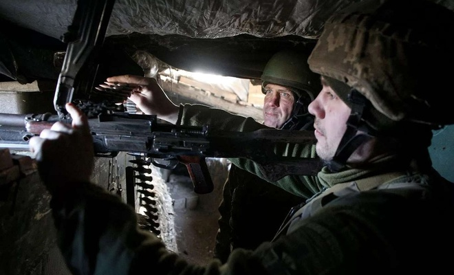 Ukrainian soldier killed, another wounded in Donbas