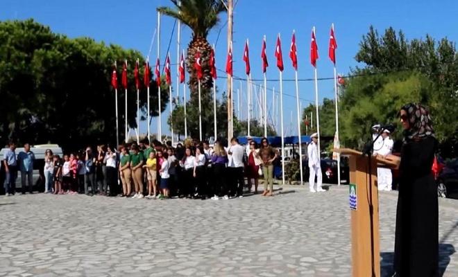 Foça'da Gaziler Günü'nde tesettürlü sunucuya büyük saygısızlık!