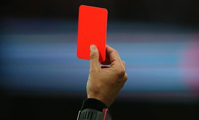 Bu maçta 15 kırmızı kart çıktı!