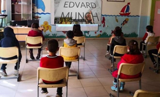 İlkokul öğrencileri dünyaca ünlü tabloları yeniden çizdi