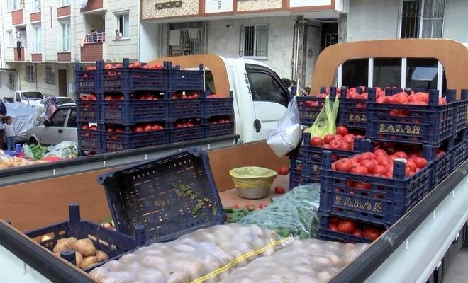 Esenyurt'ta zabıta ile seyyar satıcılar arasında arbede çıktı