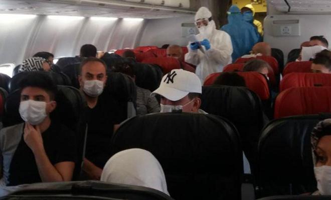Diyarbakır-Ankara uçağında Covid-19 paniği yaşandı