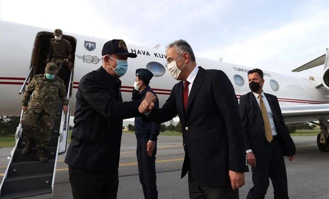 Savunma Bakanı Akar Harekatlârın yönetildiği Eskişehir'e gitti
