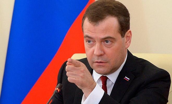 Medvedev siber saldırıların zararını açıkladı