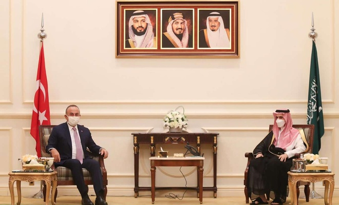 Turkish FM Çavuşoğlu meet with his Saudi Arabian counterpart in Riyadh