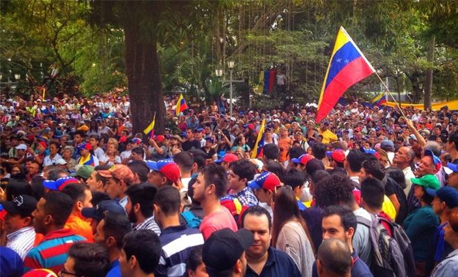 Venezuela: Sosyal Çöküntüden Siyasal Çöküntüye (1)