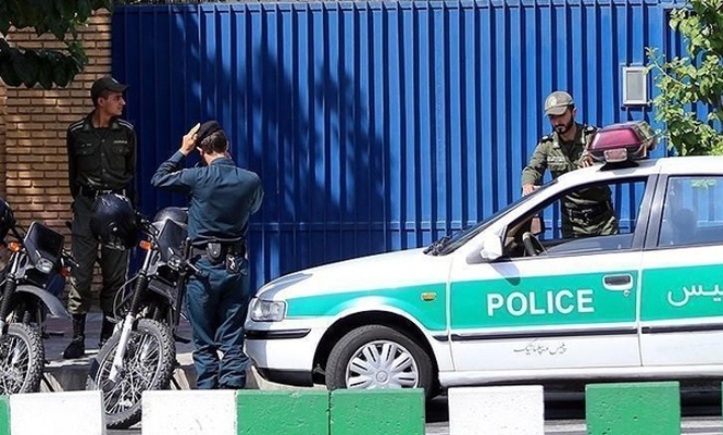 Tahran`da 3 polis öldürüldü