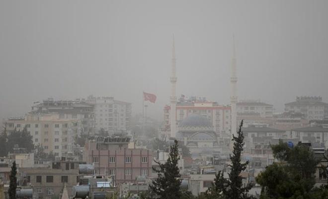 Toz bulutu 2 ilde hayatı olumsuz etkiliyor