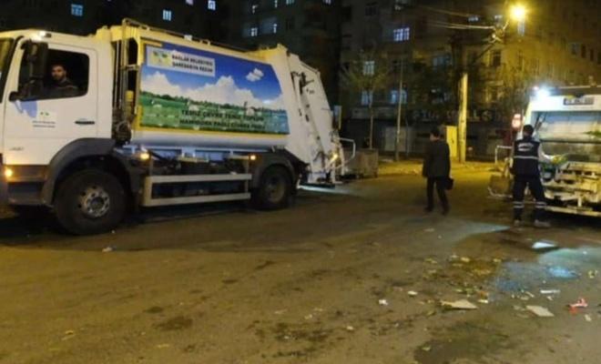 Bağlar ilçesinde cadde ve sokaklar temizlenip yıkandı