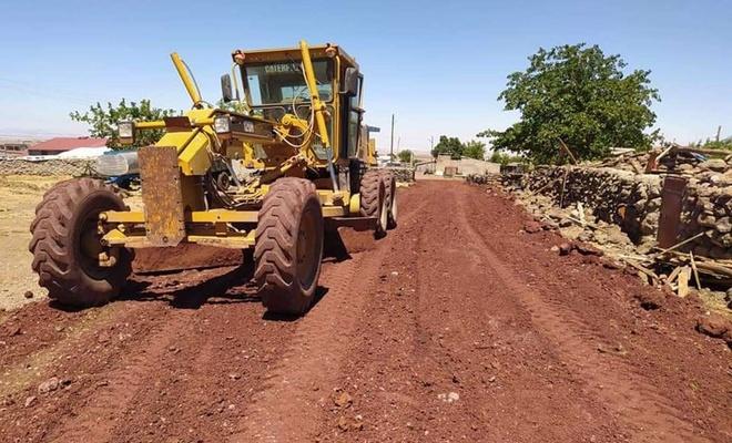 Diyarbakır'ın merkez Bağlar Belediyesi ulaşım alt yapı çalışmalarına devam ediyor