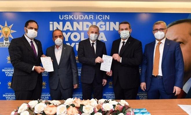 CHP meclis üyeleri istifa edip AK Parti'ye geçtiler