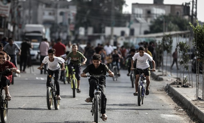 Filistinli çocuklara destek için bisiklet yarışı düzenlendi