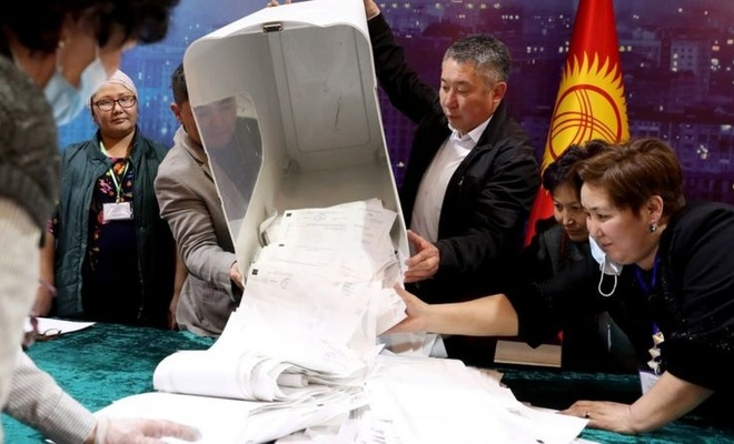 Kırgızlar da parlamenter sistemden vazgeçti