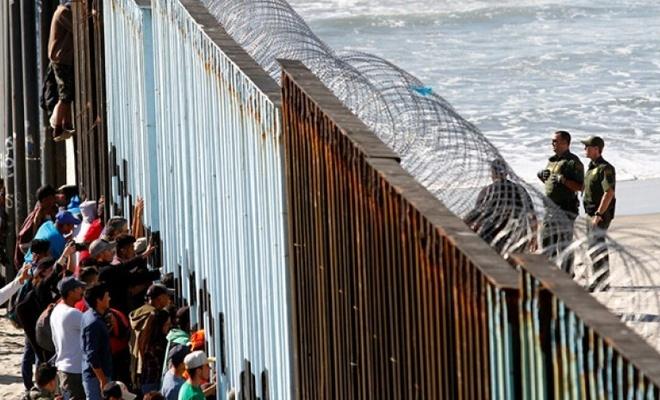 Binlerce göçmenABD sınırına dayandı!