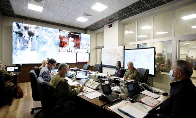 """Milli Savunma Bakanı Akar: """"400'e yakın hedef karadan 60'tan fazla hedef havadan vuruldu"""""""