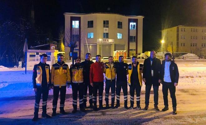 Bitlis'ten sağlık ve UMKE ekipleri yola çıktı