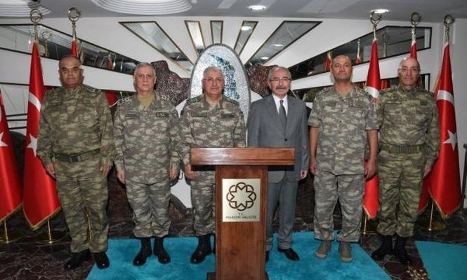 Genelkurmay Başkanı Güler sınır birlikleri denetledi