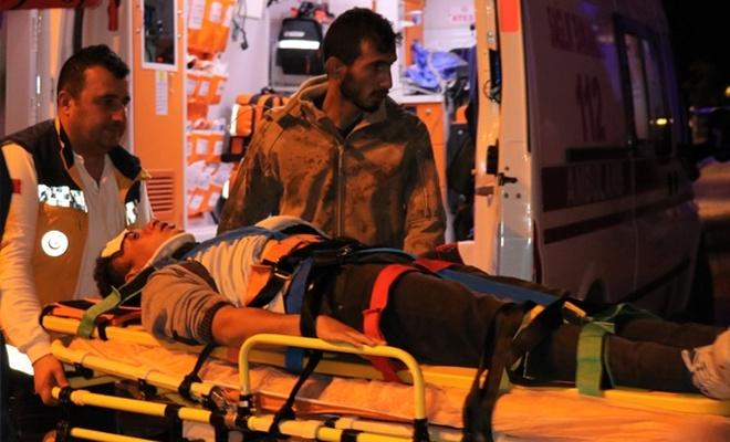 Otomobiller çarpıştı: 8 yaralı