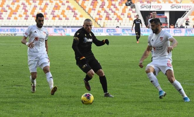 Sivasspor liderliğini sürdürdü