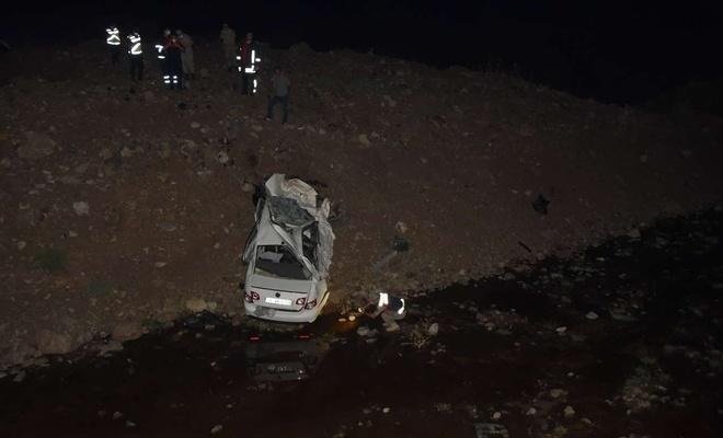 Şanlıurfa'da otomobil köprüden uçtu: 2 ölü, 1 yaralı