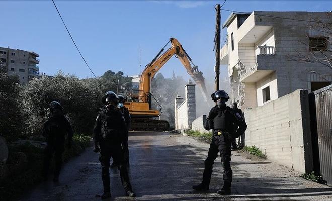 İşgal çetesi 3 evi daha yıktı!