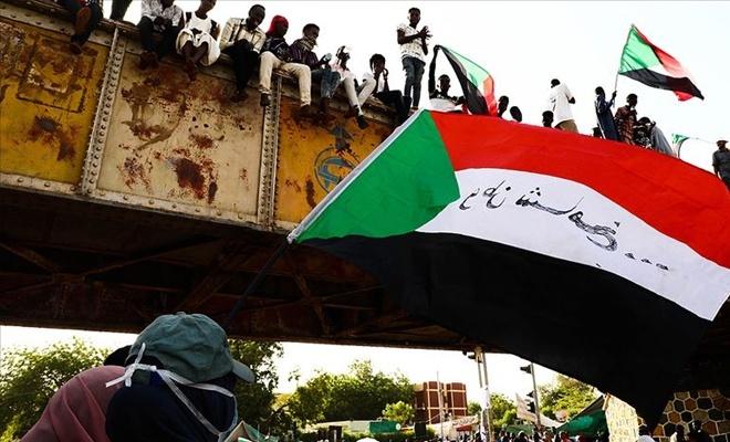 Devrim karşıtı güçler Sudan'da 'Mısır senaryosu' peşinde