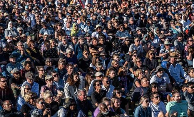 Yeni Zelanda'daki şehidleri anma etkinliğine binlerce kişi katıldı