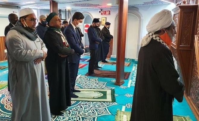 Güney Afrikalı Müslümanlar, İzmir'de hayatını kaybedenler için gıyabi cenaze namazı kıldı