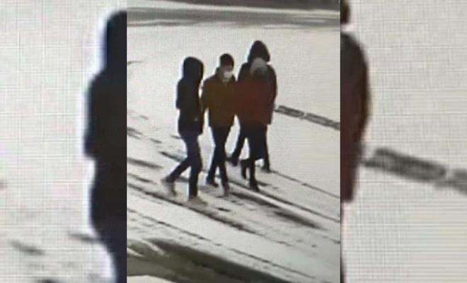 Ağrı'da dolmuş durağına zarar veren 4 kişi yakalandı