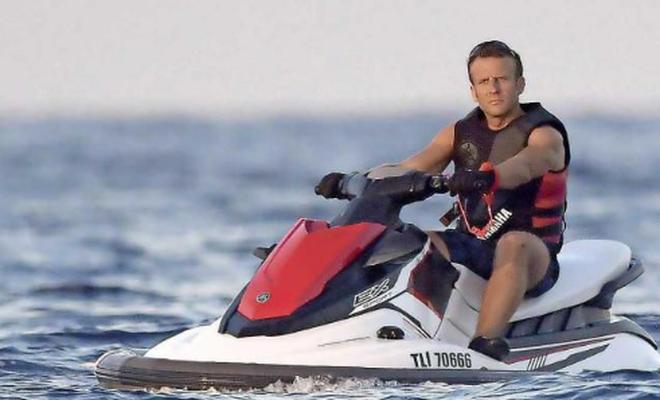 Emperyalist Macron, Jet Ski üzerinden dünyayı yönetmeye çalışıyor