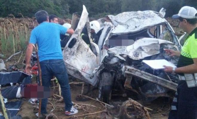 Düğün yolunda feci kaza: 3 ölü, 2 yaralı