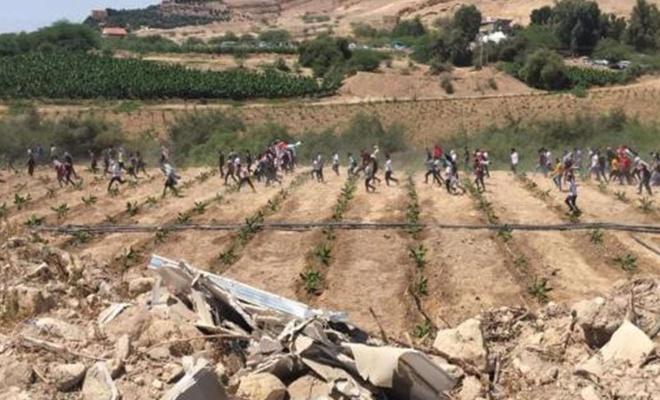 Sınırı geçtiler! Filistinlilerle kucaklaştılar!