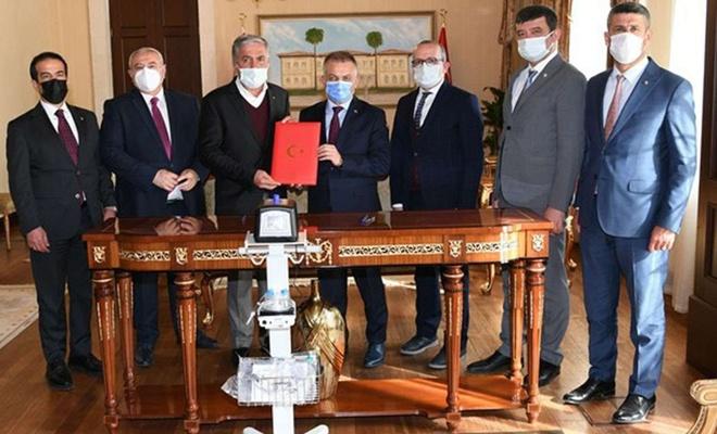 Antalya'da 20 adet solunum cihazı protokolle İl Sağlık Müdürlüğüne teslim edildi