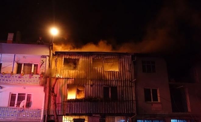 Bursa'da plastik imalathanesinde yangın