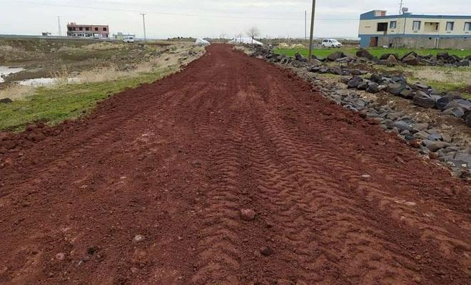 Bağlar'da 3 mahalleye daha yeni yollar kazandırıldı