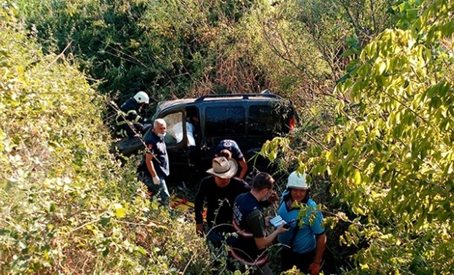 Tekirdağ'da hafif ticari araç dereye uçtu: 1 ölü, 2 yaralı