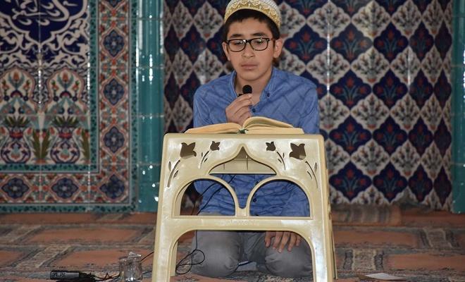 """""""Kur'an-ı Kerimi Yüzüne Güzel Okuma Yarışması"""" bölge finali Bitlis'te yapıldı"""