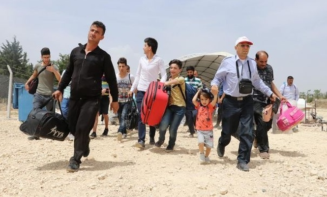 54,000 Syrian cross to their country for Eid Al-Adha