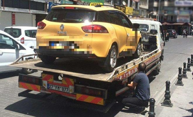 Gaziantep'te maske takmayan 3 taksi sürücüsüne para cezası verildi