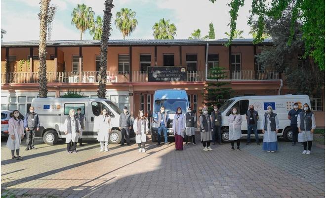Adana'da mevsimlik tarım işçileri için mobil sağlık araçları hizmete girdi