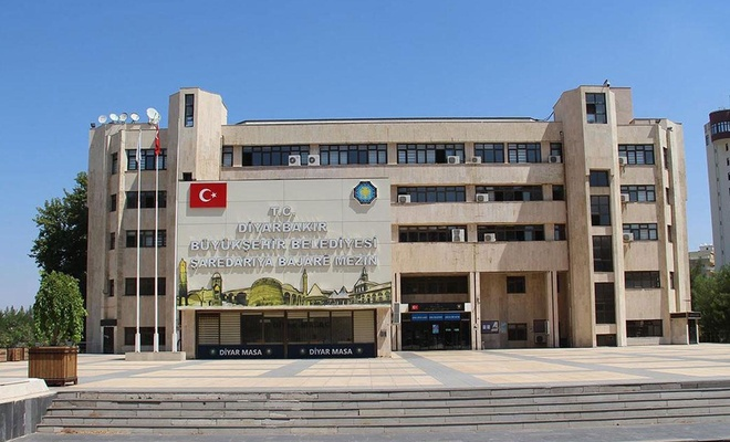Diyarbakır'da 10 bin aileye aylık bin lira yardım yapılacak