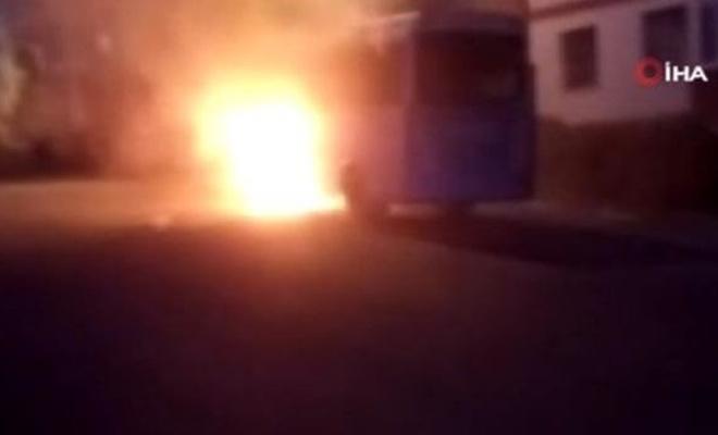 Karabük'te seyir halindeki halk otobüsü alev aldı